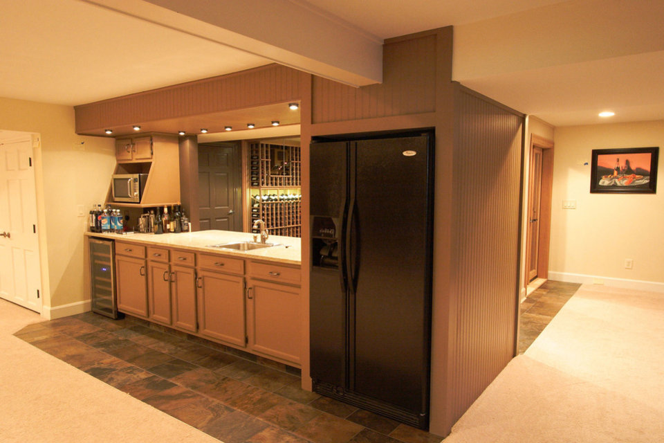 Home watering holes raise bar news ok for Home wet bar dimensions