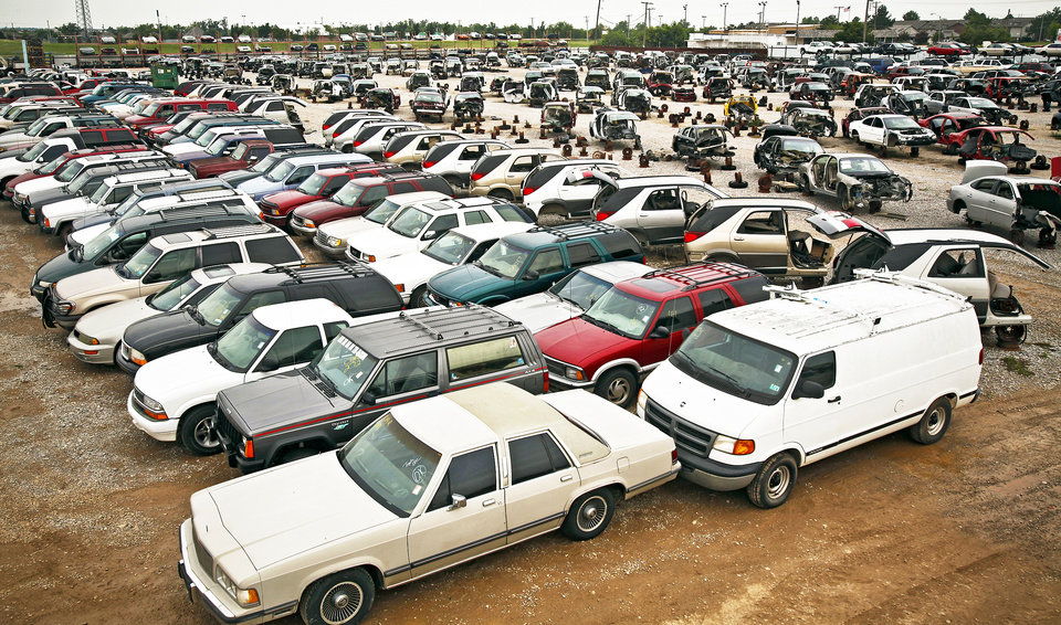 Cash For Clunkers >> Cash For Clunkers Leaves Behind A Graveyard Of Clunkers News Ok