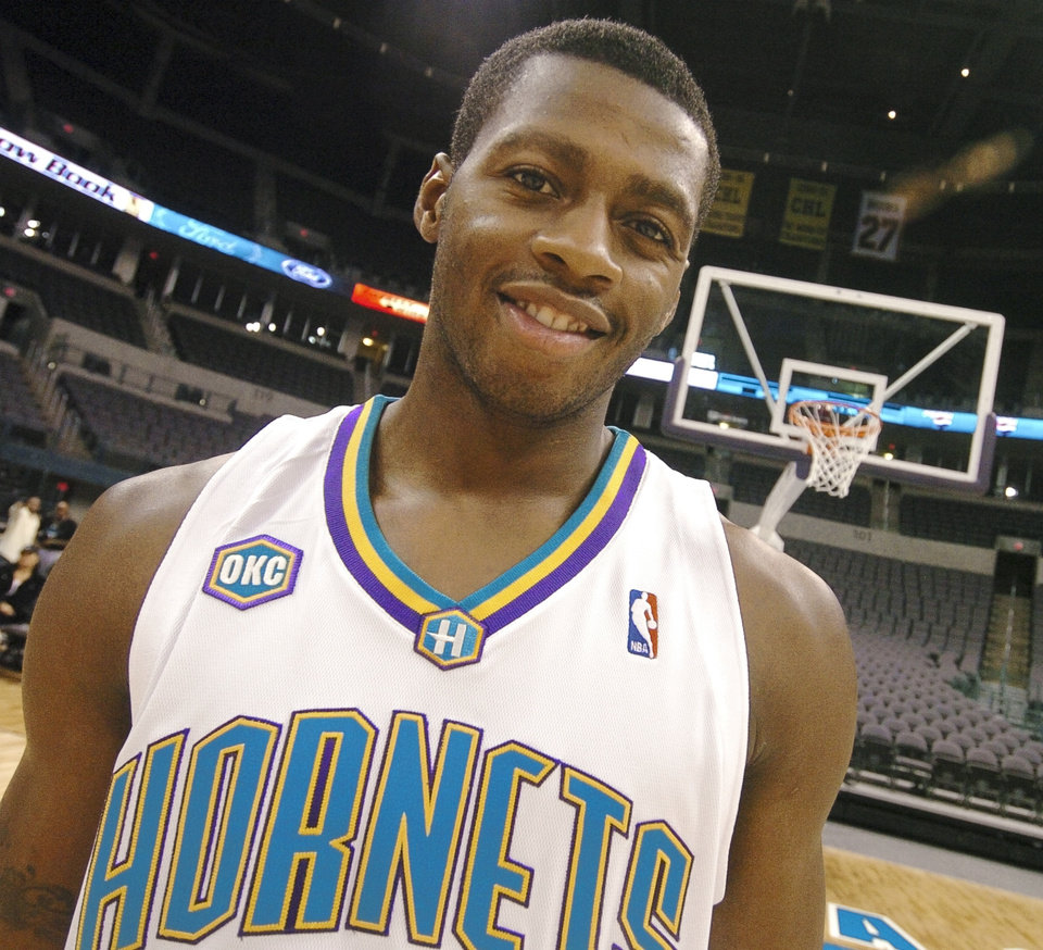 f78b6c17e336 NBA BASKETBALL  Desmond Mason of the New Orleans Oklahoma City Hornets is  shown on the court at the Ford Center Sunday