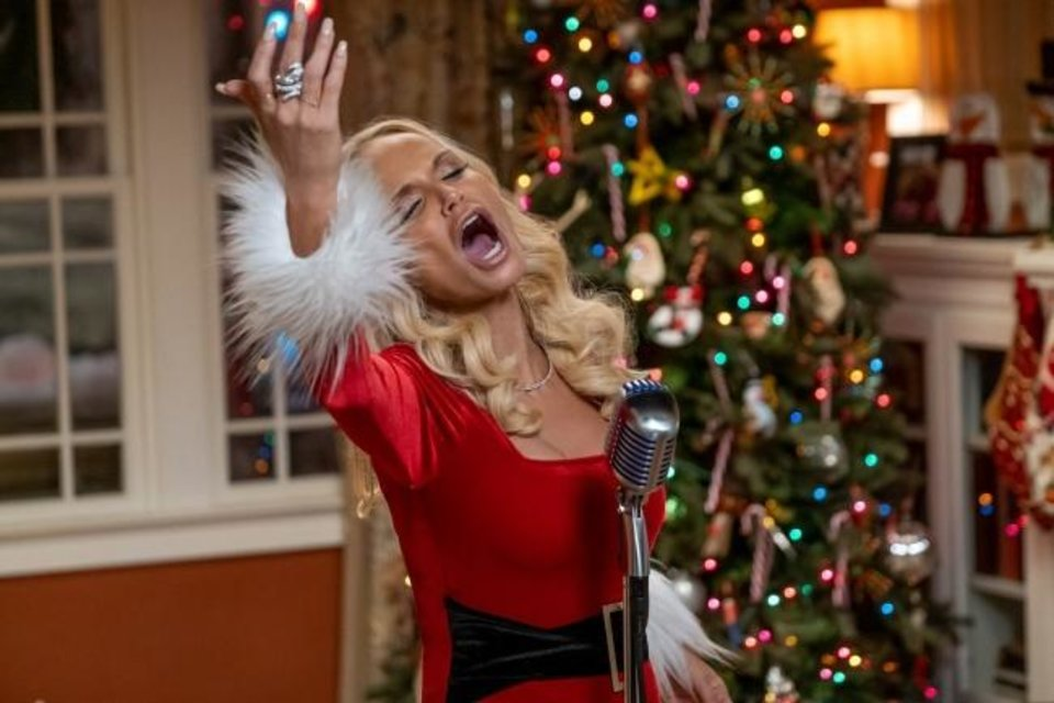 Photo -  Kristin Chenoweth stars as Aunt Susan in the Netflix romantic comedy