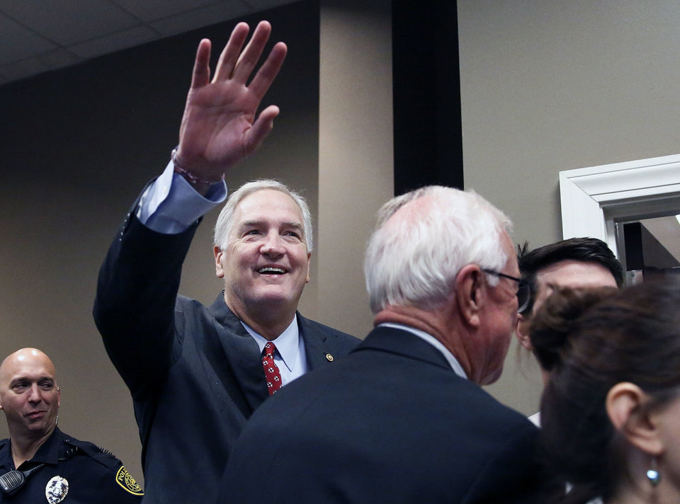 RINO McConnell Stooge Luther Strange Finance Chair Tied to Nonprofit in Alabama Bribery Case