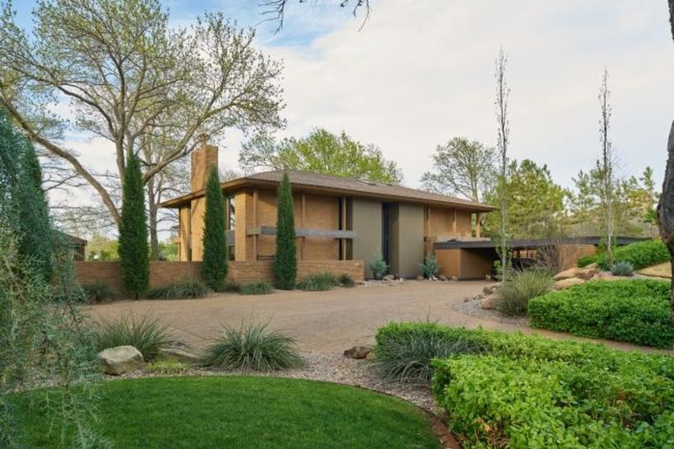 Photo -  The Quail Creek tour home at 3117 Rolling Stone Road, owned by the Hester Family, was built in 1965. [PHOTO PROVIDED BY QUAIL CREEK HOME TOUR]