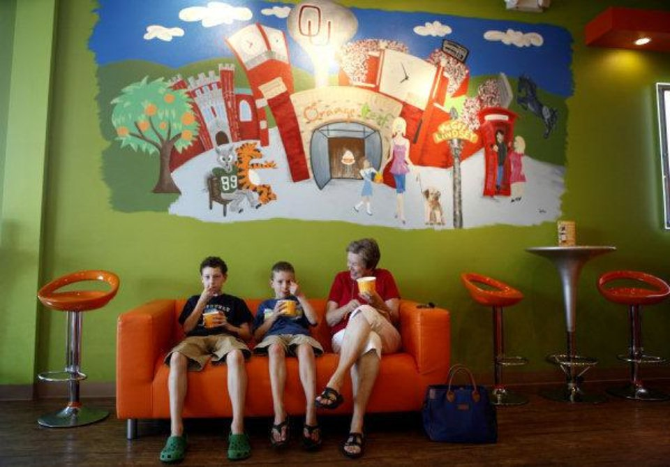 From Left To Right, Drew, Matt And Kay Dillon Eat Yogurt At Orange Leaf  Yogurt In Norman. Photo By Sarah Phipps, The Oklahoman SARAH PHIPPS ...