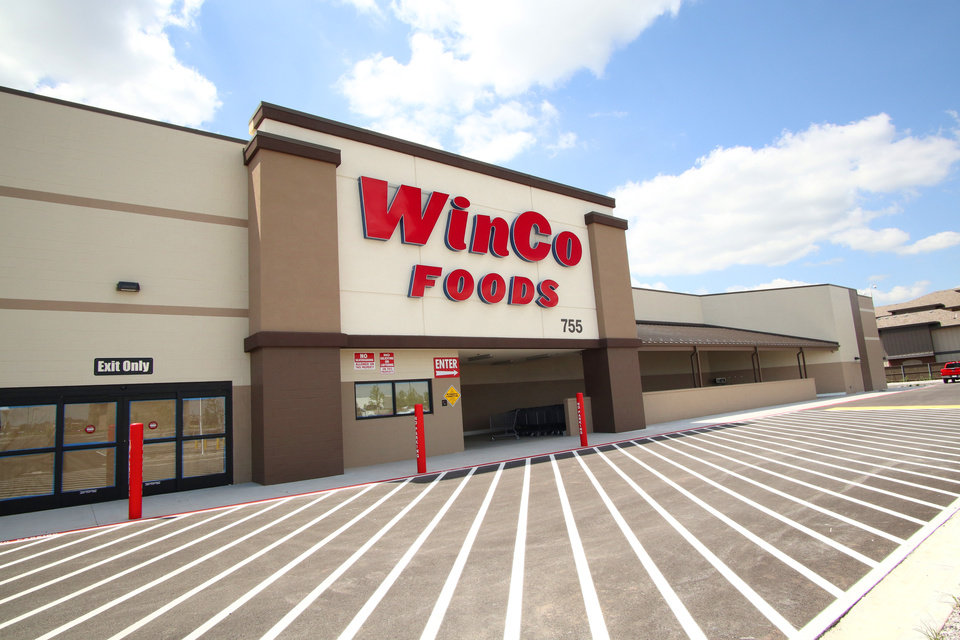 Winco Christmas Eve Hours.Winco To Open Moore Grocery This Month