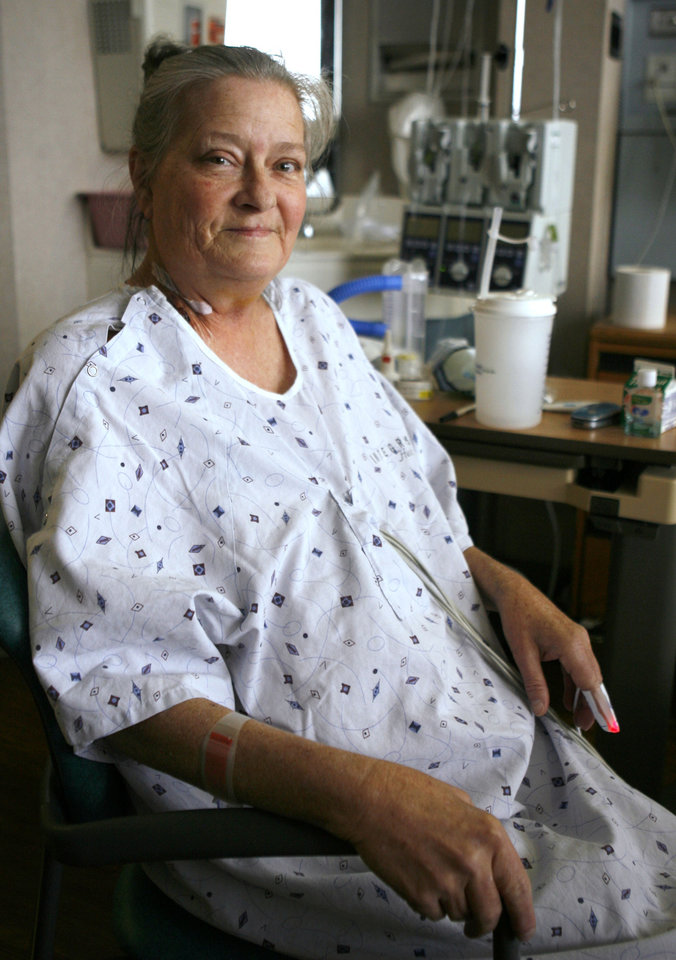 Photo - Patient Nellie Penner just received a lung transplant a week ago at Integris Baptist Hospital in Oklahoma City, OK, Friday, March 28, 2008. BY PAUL HELLSTERN, THE OKLAHOMAN ORG XMIT: KOD