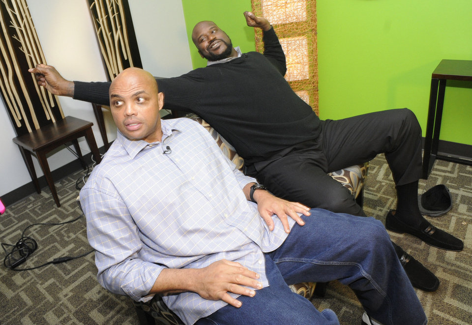 Photo - Charles Barkley, left, and Shaquille O'Neal wrap up an interview at TNT studios after O'Neal joined the cast of the network's
