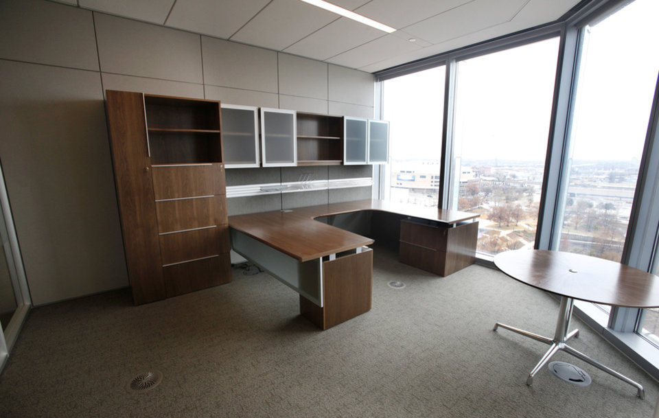 Seventh Floor Office Area At Devon Tower In Downtown Oklahoma City Monday Dec 19 2011 Photo By Paul B Southerland The Oklahoman