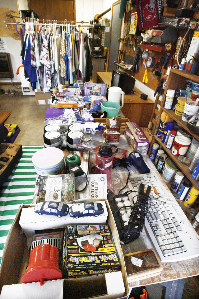 It's the season for garage sales - Article Photos Garage Sale In Oklahoma City on city sports, city painting, city clothes, city bbq, city alarm systems sale, city direct tv sale, city vintage, city wide gargae sale, city events, city photography, city wide yard sale,