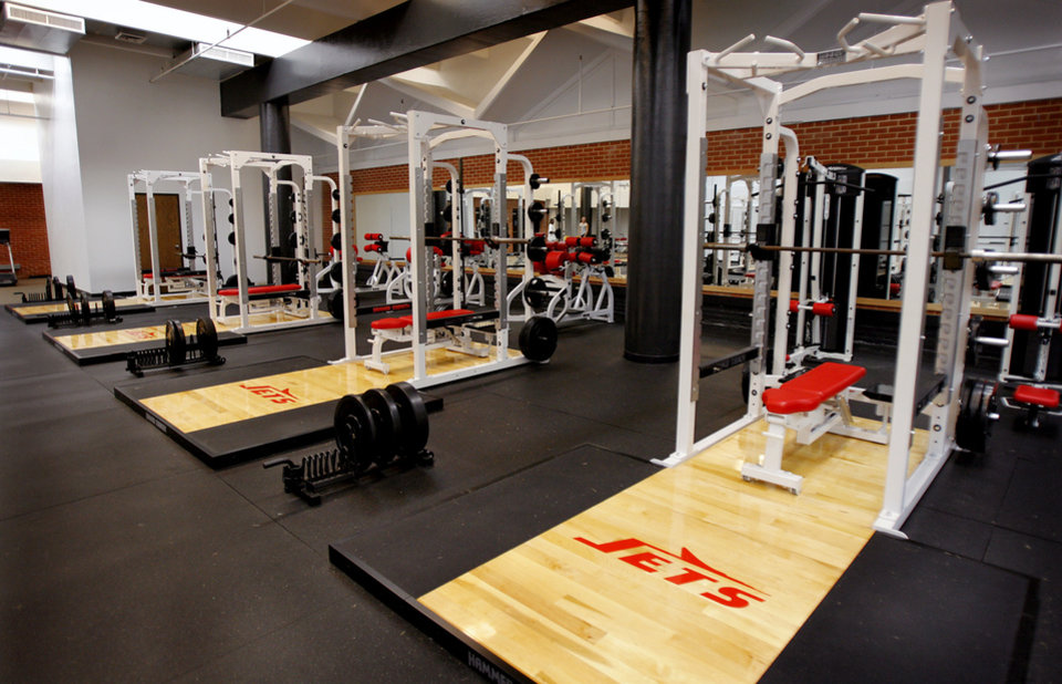 Ou weight room pictures to pin on pinterest daddy