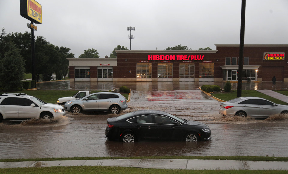 High Winds Flooding Across Oklahoma City Metro Photo Gallery