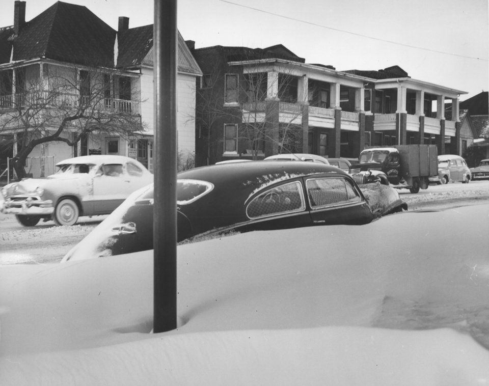 Photo - Snow in Oklahoma CityDecember 28, 1954. By George Tapscott, The Oklahoman. ORG XMIT: KOD