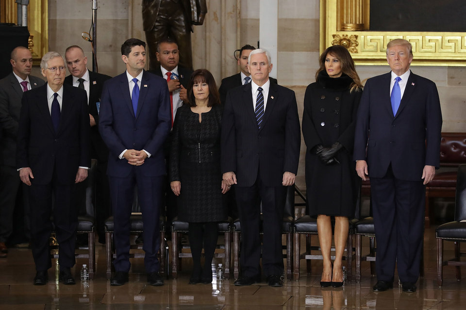 Billy Graham Honored At U S Capitol Trump First Lady Attend Funeral