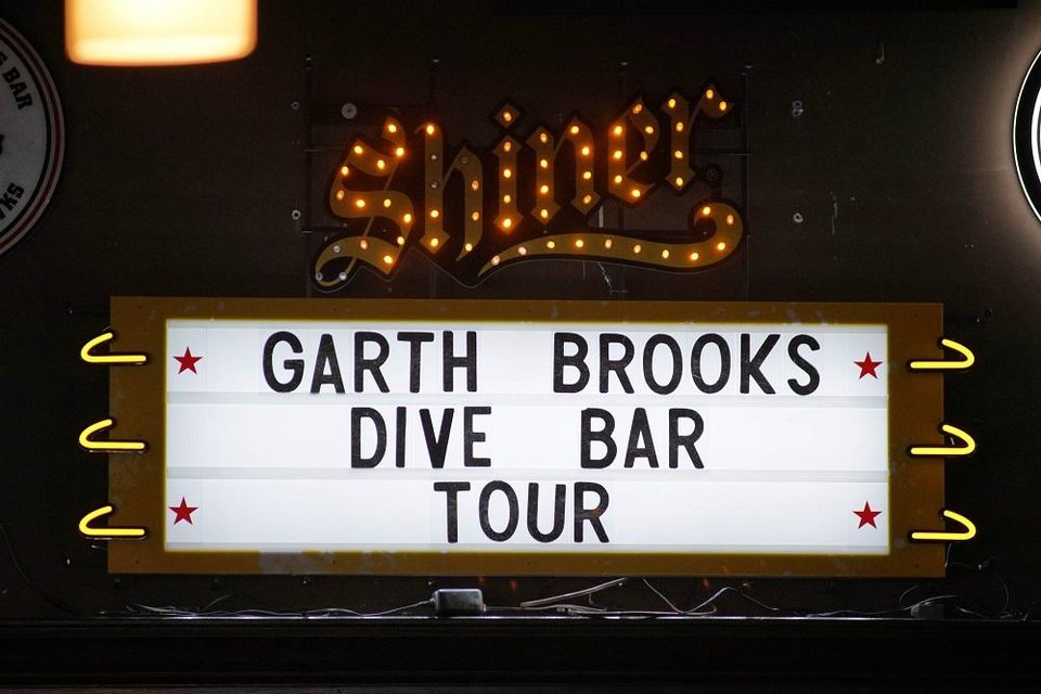 Photo - A general view of the marquee for Garth Brooks (not picture} at Joe's in Chicago, Monday, July 15, 2019, on the first stop of his Dive Bar tour. Garth has partnered with Seagram's 7 Crown to secure 700,000 pledges to #JoinThePact, a pledge to never drive impaired. (Photo by Rob Grabowski/Invision/AP)