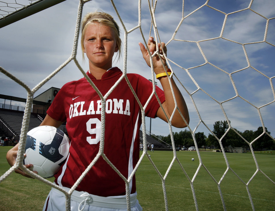 Can Dria Hampton be the Wayman Tisdale of OU soccer? | News OK