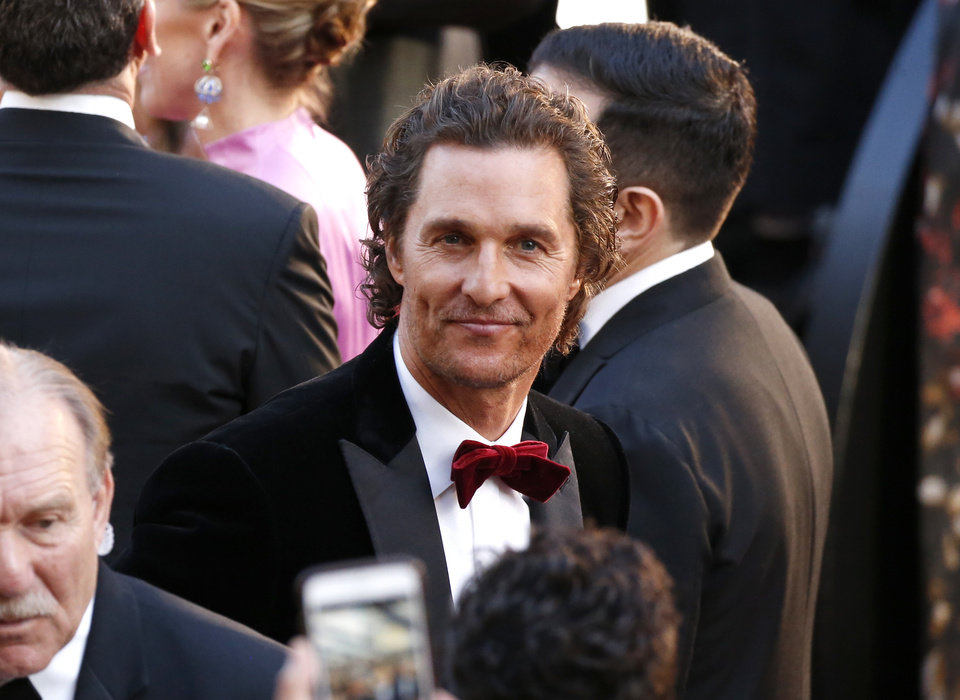 Photo - Matthew McConaughey arrives at the Oscars on Sunday, March 4, 2018, at the Dolby Theatre in Los Angeles. (Photo by Eric Jamison/Invision/AP)