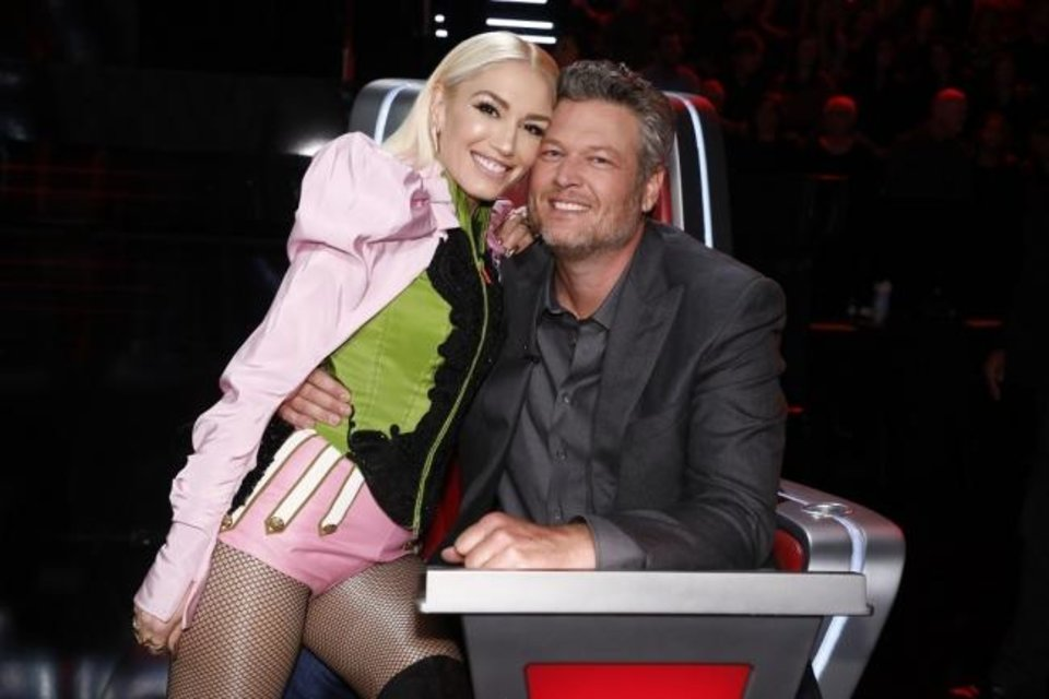 Photo -  Gwen Stefani and Blake Shelton appear together on