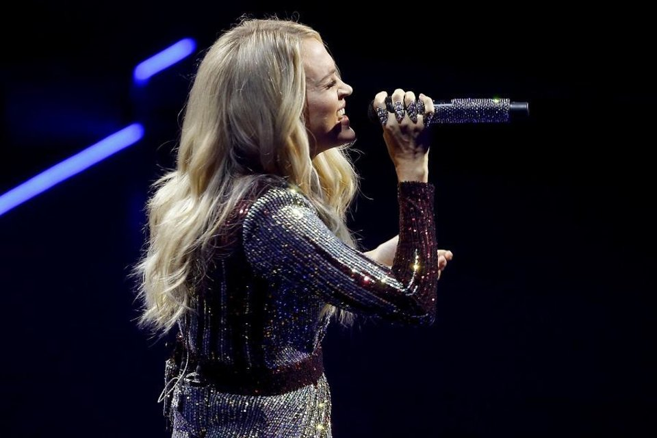 Photo - Carrie Underwood performs inside Chesapeake Energy Arena during her