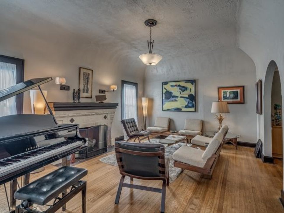 Photo -  This is the living room at 1232 NE 17, renovated by L.D. Smith Properties. [L.D. SMITH PROPERTIES]