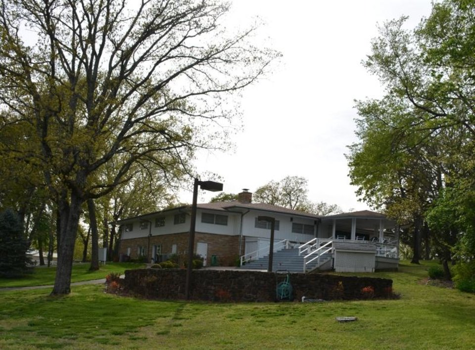 Photo - The NewView Oklahoma/Globe Life Lodge on Lake Tenkiller is available for rental. [NEWVIEW OKLAHOMA]