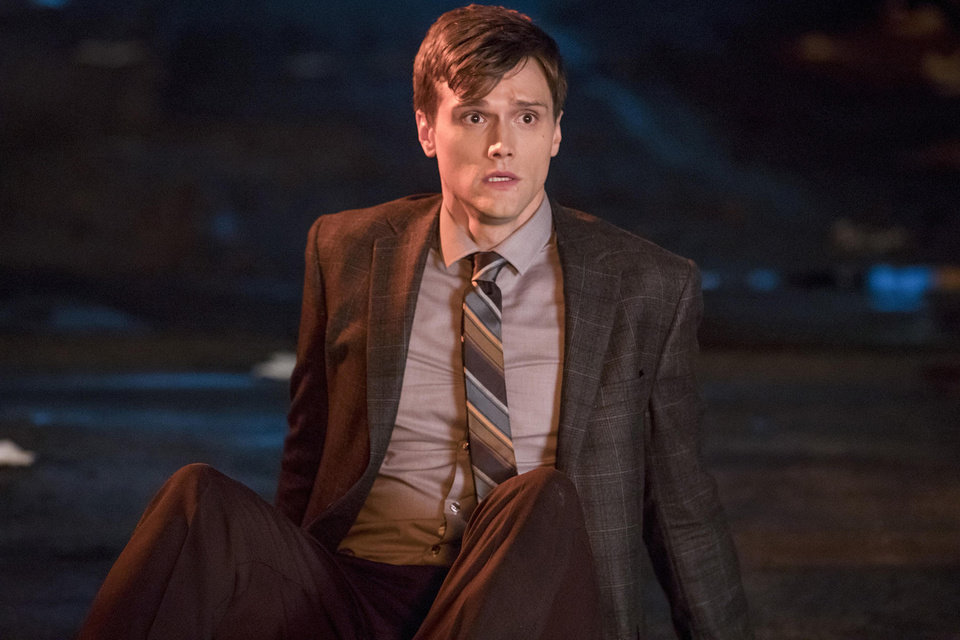 "Photo - The Flash -- ""Elongated Journey Into Night"" -- Image Number: FLA404a_0227b.jpg -- Pictured: Hartley Sawyer as Dibney -- Photo: Jack Rowand/The CW -- © 2017 The CW Network, LLC. All rights reserved."