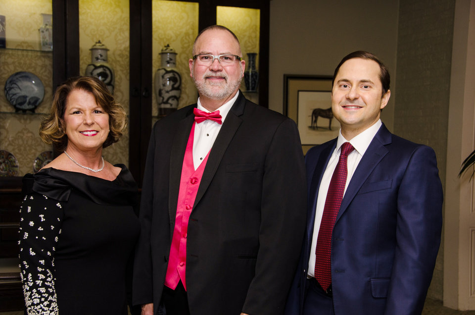 Photo - Dr. Lisa J. Wasemiller-Smith, Dr. R. Kevin Moore, Dr. Sam S. Dahr. PHOTO BY JOHN DOUGLAS