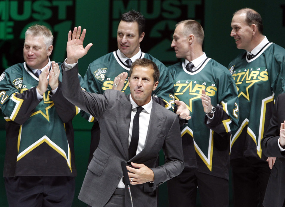 Big names join Stars' Modano for jersey ceremony - Article ...