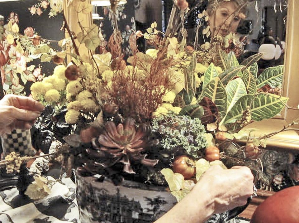 Enhance Centerpiece8217s Look By Mixing Real Fake Plants
