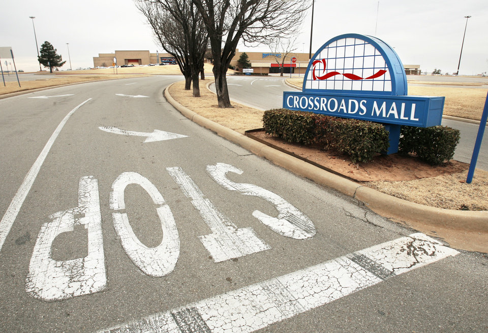 Photo - Crossroads Mall went back to the lender, which was the only bidder at a sheriff's sale Thursday. Photo by Steve Sisney, The Oklahoman