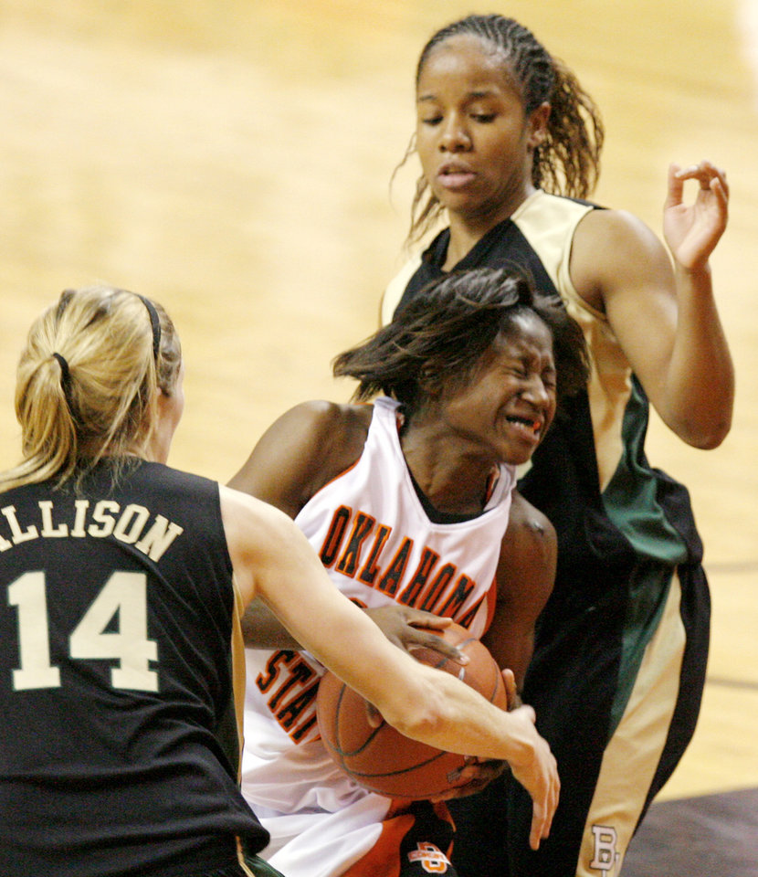 Balanced offense keys upset of Lady Bears Victory by ...
