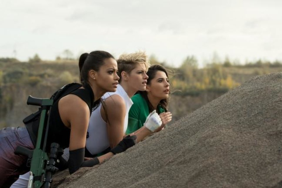 Photo -  Ella Balinska, Kristen Stewart and Naomi Scott star in