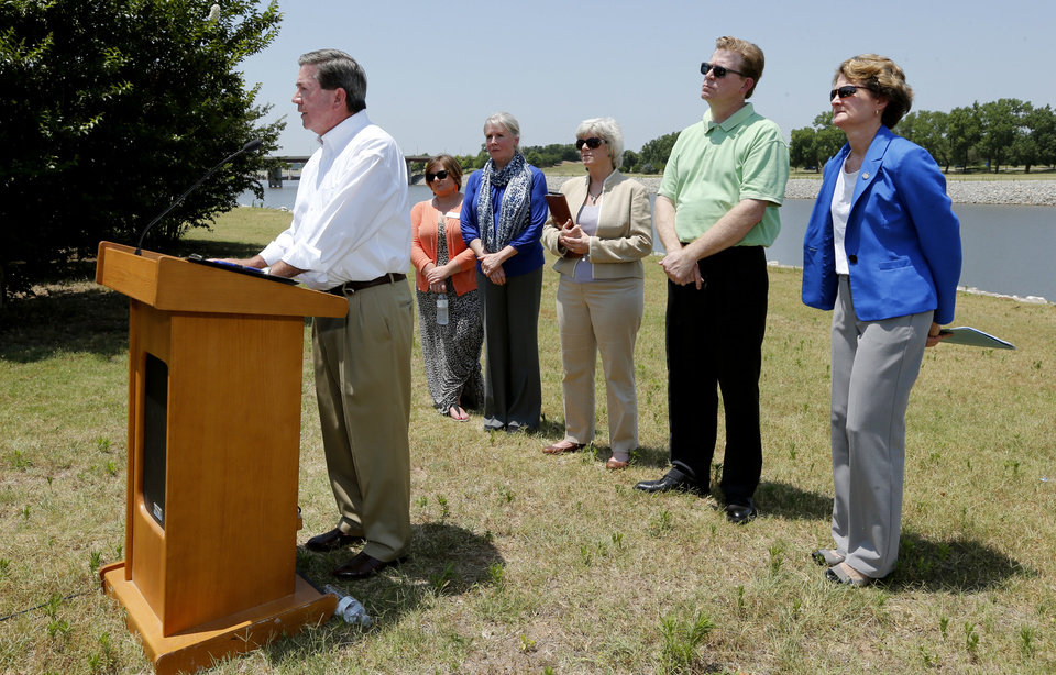 Photo -  Former Attorney General Drew Edmondson voices his opposition to State Question 777 on Friday. Behind him are Sara Jane Smallwood, Choctaw Nation; Cynthia Armstrong, Humane Society of Oklahoma; Norman Mayor Cindy Rosenthal; Johnson Bridgwater, Sierra Club; and Sen. Kay Floyd. [Photo by Steve Sisney, The Oklahoman]