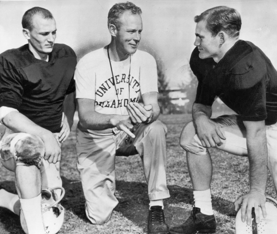 Photo - Bobby Boyd (left) poses with Bud Wilkinson and halfback Jere Durham before the 1958 Orange Bowl. (Oklahoman archive photo)