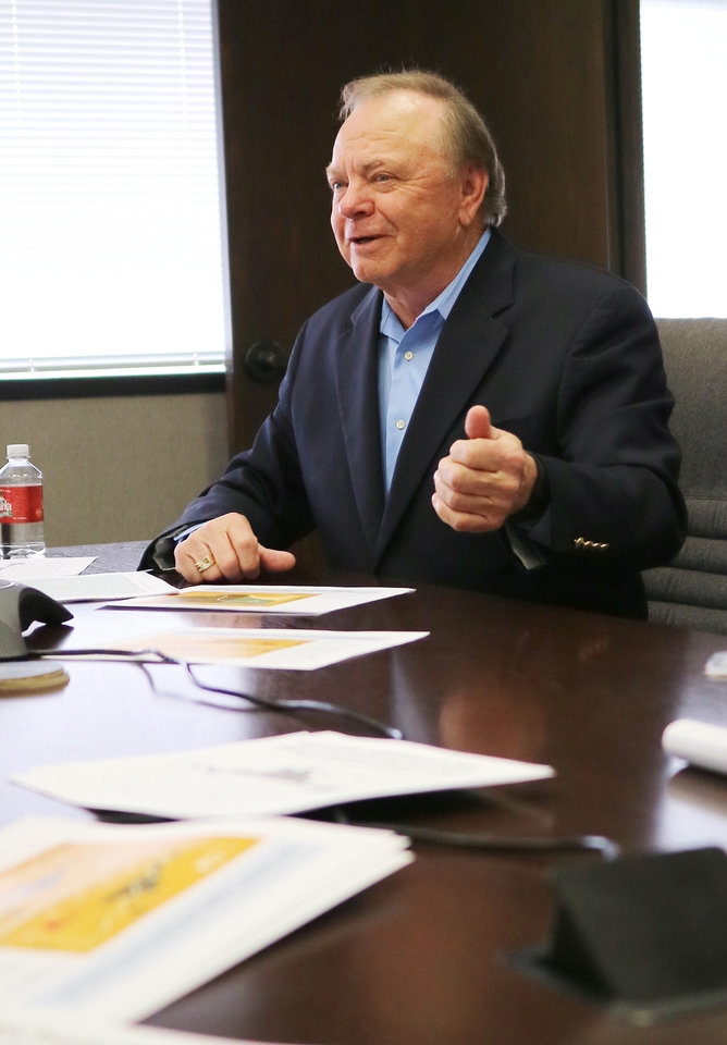 Photo -  Continental Resources CEO Harold Hamm said oil prices are likely to recover by mid-2016. [Photo By Doug Hoke, The Oklahoman]