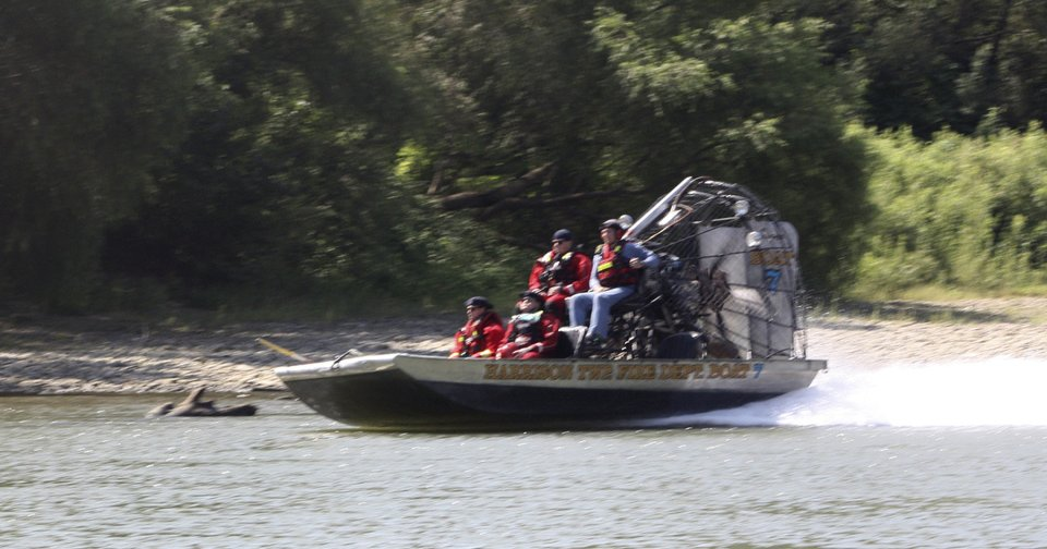 1 still missing in Indiana boating mishap that left 4 dead
