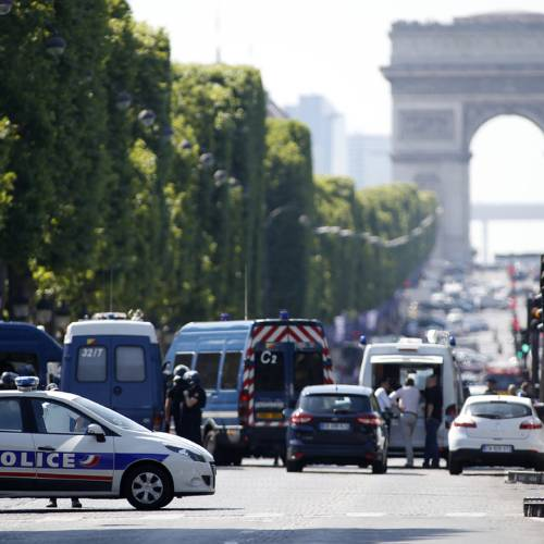 Man attacks security forces with car on Paris' Champs-Elysees
