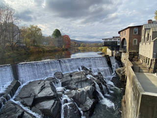 The Quechee Gorge sits next to the Simon Pearce Glassblowing Co. (Photo by Tricia Tramel)