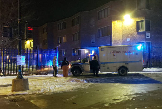 7 minors hurt in Chicago shootings, including 3 accidents