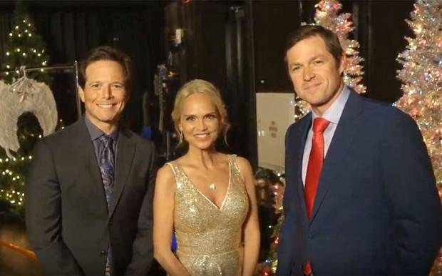"Scott Wolf, left, and Kristin Chenoweth star in the upcoming Hallmark Channel film ""A Christmas Love Story,"" directed by Eric Close. [Hallmark Channel photo]"