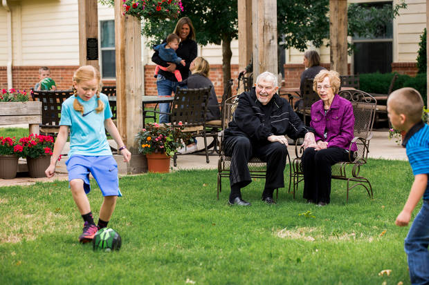 Concordia assisted living residents enjoy a scenic day with friends and family. (Photo Provided)