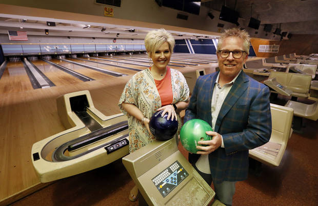 Love at first strike: Couple seek to put their spin on southside Oklahoma City bowling center | The Oklahoman