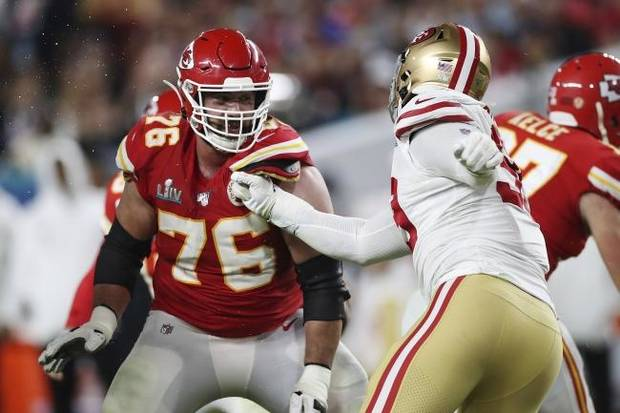Super Bowl champ Laurent Duvernay-Tardif quickly switches focus from offensive line to coronavirus front line