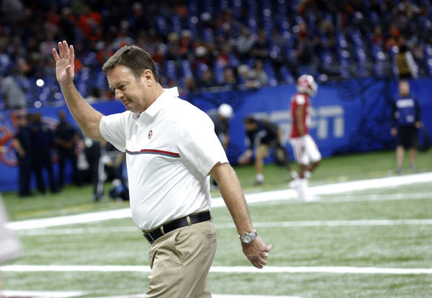 Bob Stoops was the longest-tenured head coach in the Football Bowl Subdivision after 18 seasons at Oklahoma. Photo by Sarah Phipps, The Oklahoman
