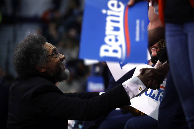 Sanders holds narrow lead over Buttigieg in New Hampshire