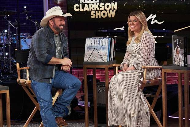 Video: Garth Brooks to appear today on 'The Kelly Clarkson Show,' talk Oklahoma State University days
