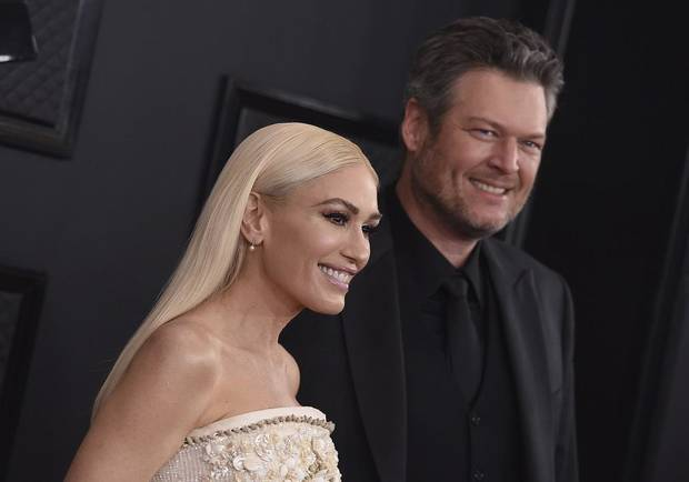 Photos and video: Blake Shelton and Gwen Stefani perform 'Nobody But You' on the 2020 Grammy Awards