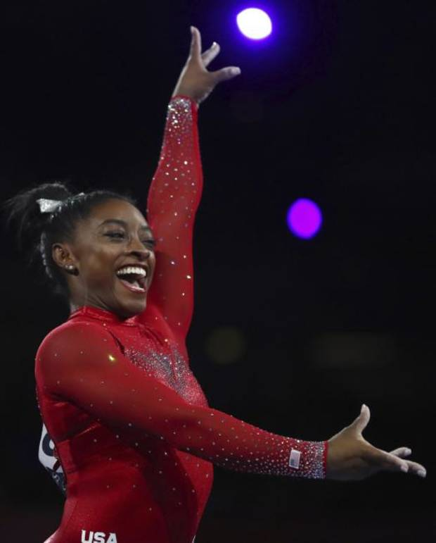 Morning Roundup: Biles ties all-time medals record for any gymnast