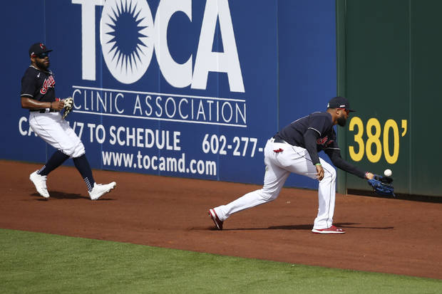 With athletic family all around, DeShields fits into Indians