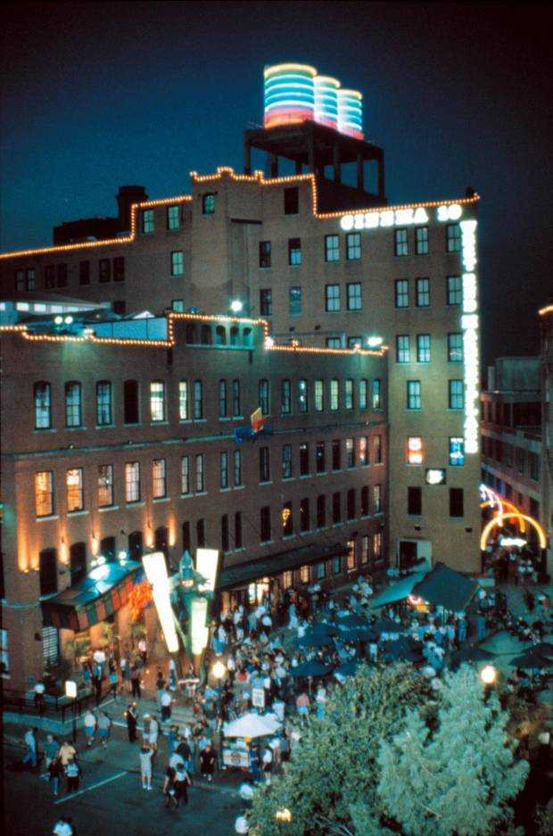 The opening of Planet Hollywood made West End in Dallas the envy of historic warehouse districts throughout the region including Oklahoma City. The adjoining West End Marketplace also had a theater, restaurants, nightclubs, shops, a putting green and galleries. The courtyard hosted concerts throughout the year.
