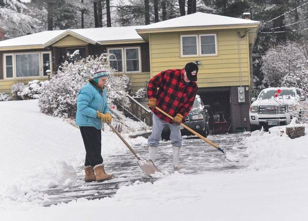 Nearly 100 million under winter weather alerts as sprawling storm picks up across US
