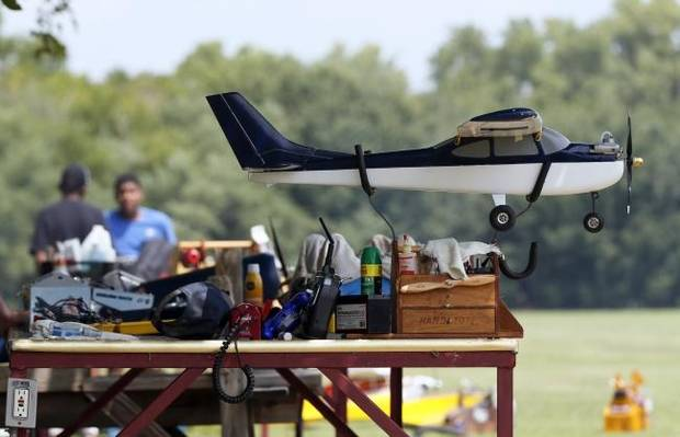 Model aircraft hobbyists fight back against drone rule